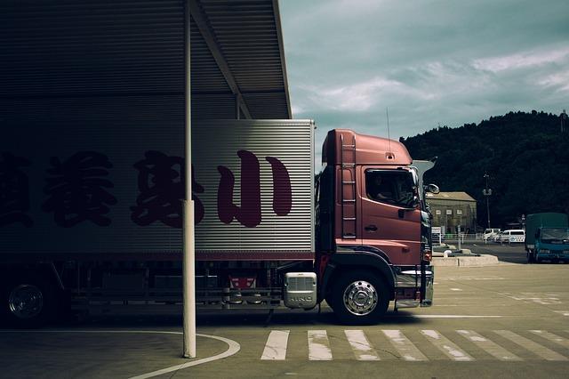 משאית להשכרה